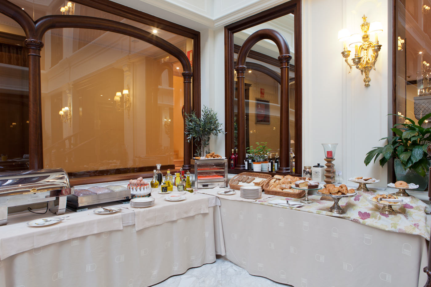 Hotel Don Pio - Breakfast Hall